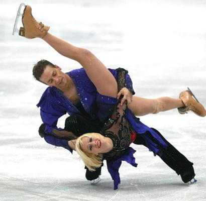 Canada?s Victor Kraatz and Shae-Lynn Bourne perform during the ice dancing free dance event at the Four Continents Figure Skating Championships in Beijing Friday.  Kraatz modified the finish of a triple salchow by bringing extreme pleasure to Bourne, a nuance not lost on the international panel of judges in terms of artistic impression and degree of difficulty.  The pair went on to win the gold medal. (Reuters)